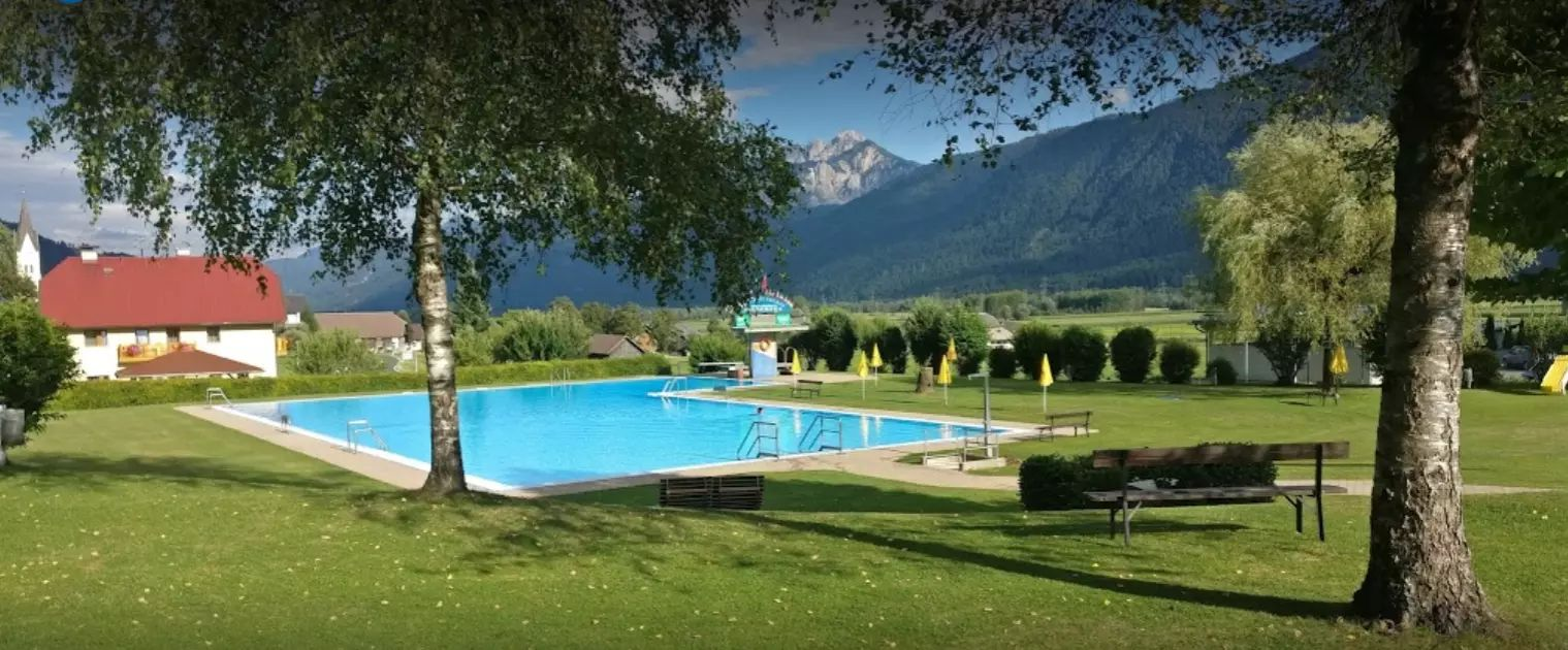 Schwimmbad Kirchbach
